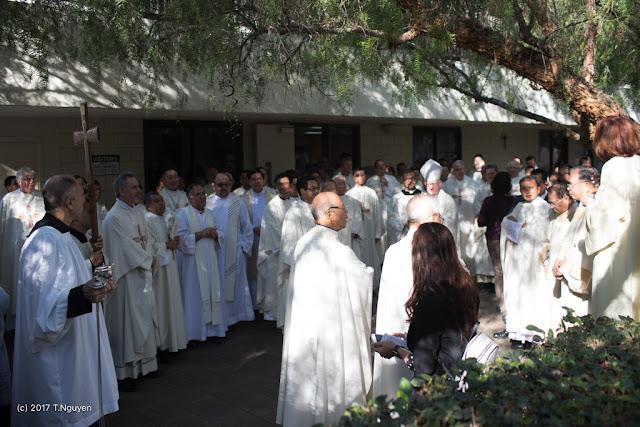 Hình ảnh thánh lễ an táng Đức Cha Dominicô Mai Thanh Lương - Ảnh minh hoạ 3