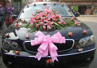 birthday decorated car