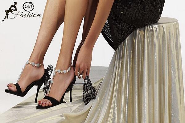 Cách mang giày cao gót không bị rớt gót với 6 mẹo đi giày