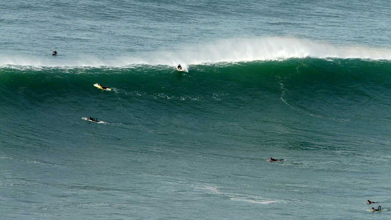 surf menakoz diciembre 2015 olas grandes 03
