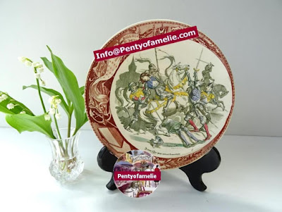 joan of arc captured at Compiegne. Polychrome illustrated plate produced by french antique renowned pottery late 1800s