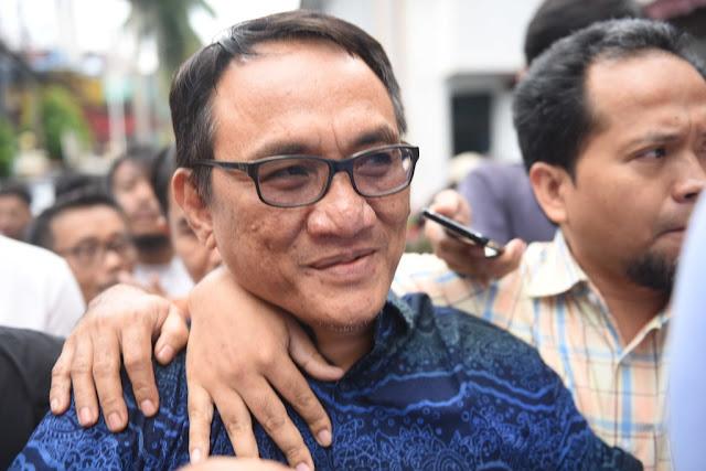 Kivlan Tuding SBY, Andi Arief Membalas