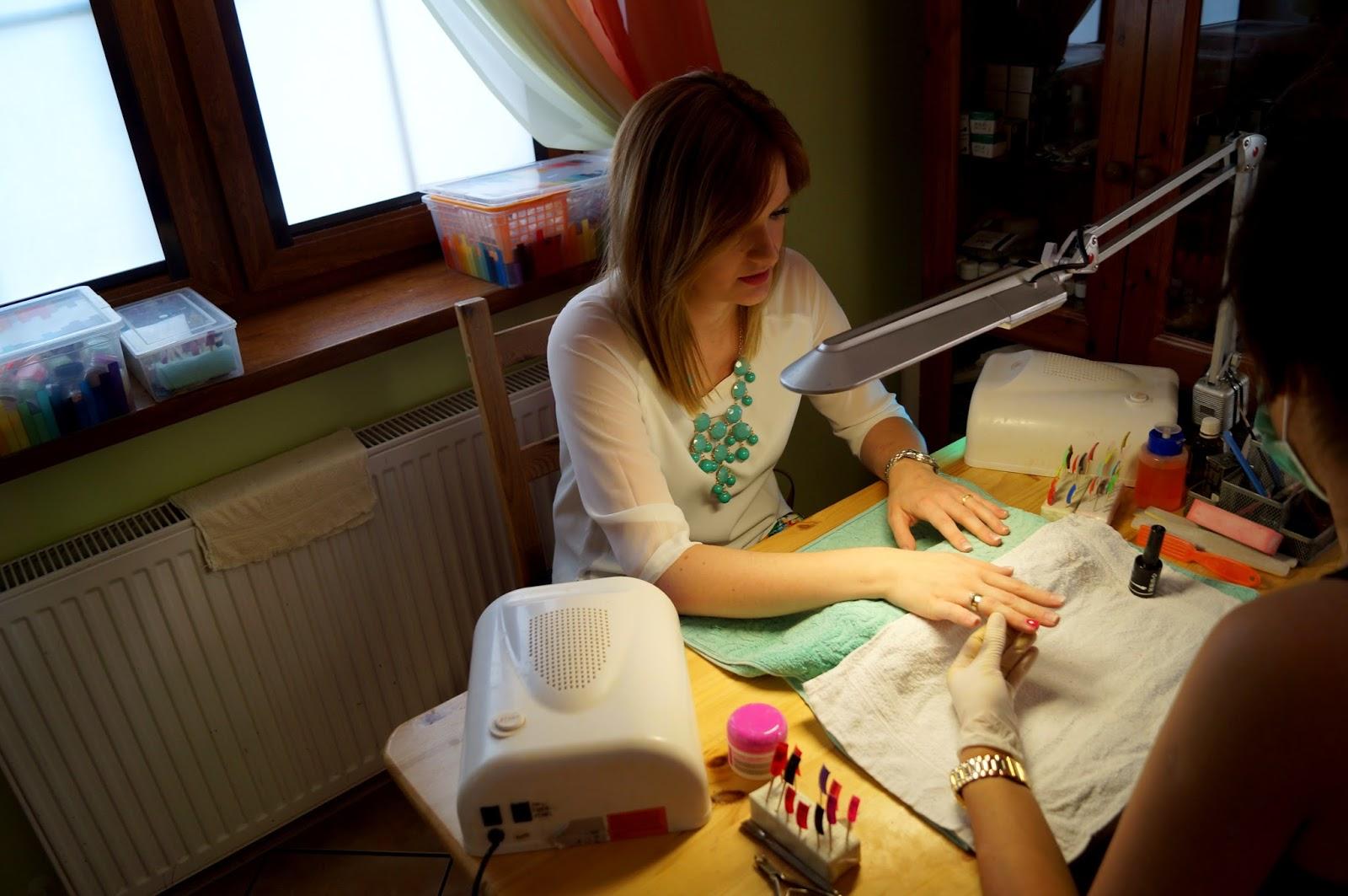 Manicure Hybrydowy W Gryficach Je Suis Axis