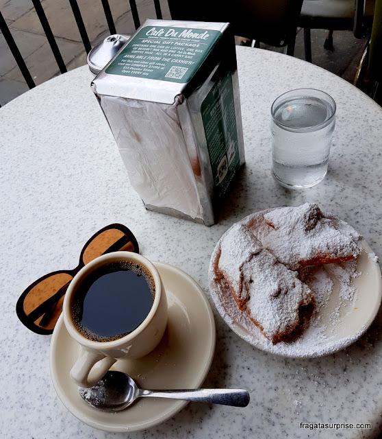 Café com chicória e beignets do Café du Monde, Nova Orleans