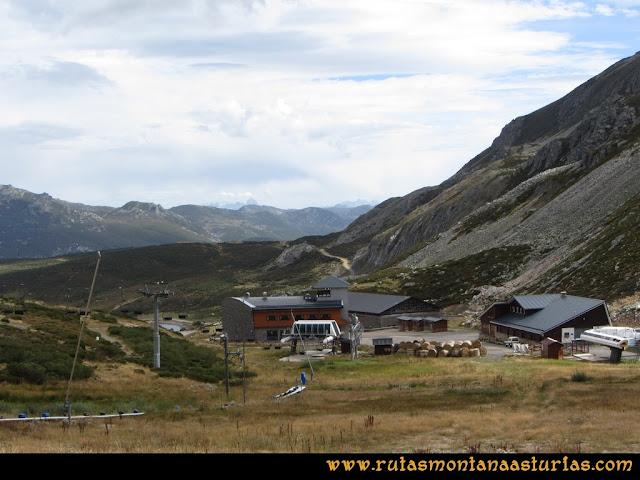 Ruta Pico Toneo y Peña Agujas: Llegando a la estación de sky