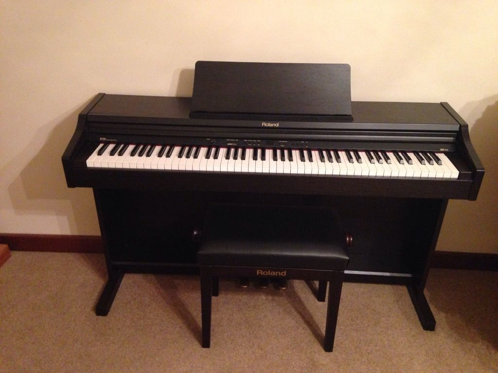 đàn piano điện Roland RP-201