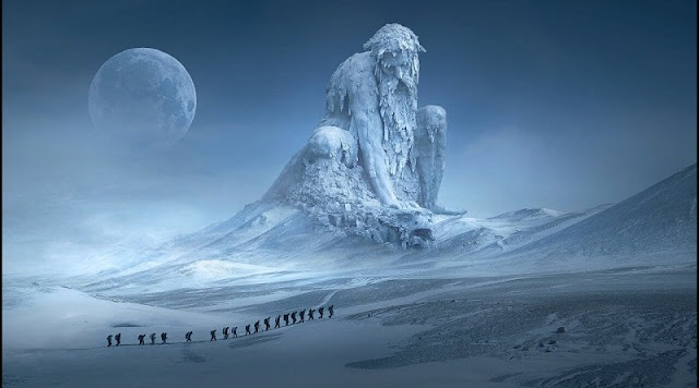 Strange structure similar to a castle emerges in Antarctica - Proof of an ancient advanced civilization?