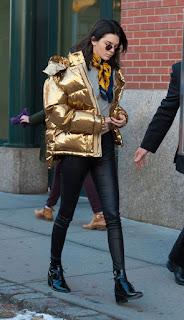 Jaqueta Puffer Dourada