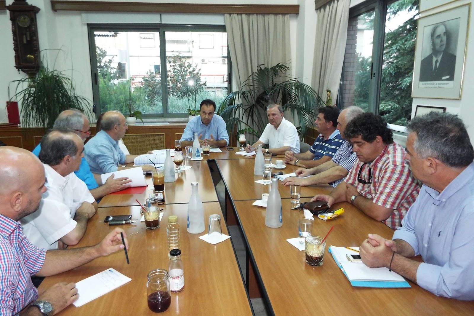 Συνάντηση του Δημάρχου Τρικκαίων με τους βουλευτές Τρικάλων του ΣΥΡΙΖΑ