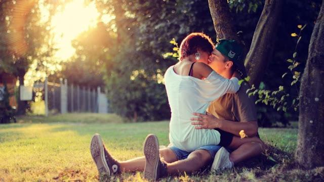 خلفيات بوس رومانسي ساخن HD - صور