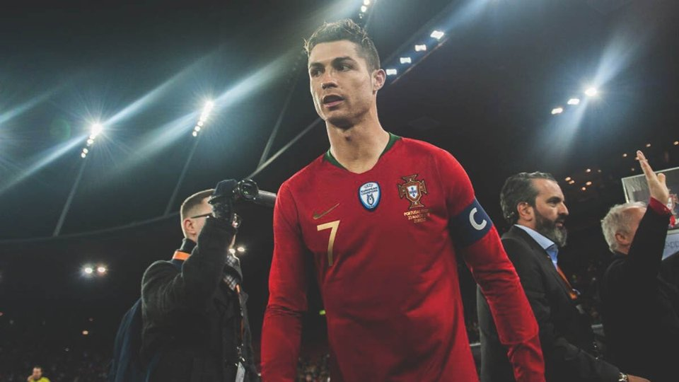 e0dc1ab246d The Ballon d Or 2018 award will mark precisely 10 years since Cristiano  Ronaldo first scooped up the award in 2008