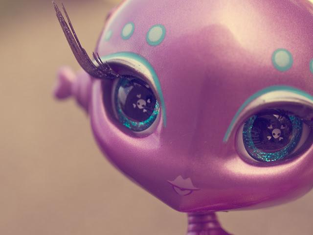 My Plastic Fantasy Toy Thursday Novi Star Mae Tallick