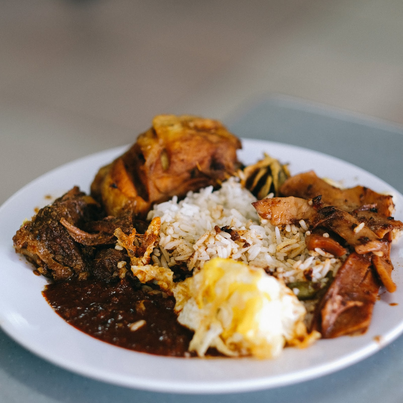 NASI LEMAK TANGLIN - THE BEST NASI LEMAK I'VE EVER TRIED - foodandfeast