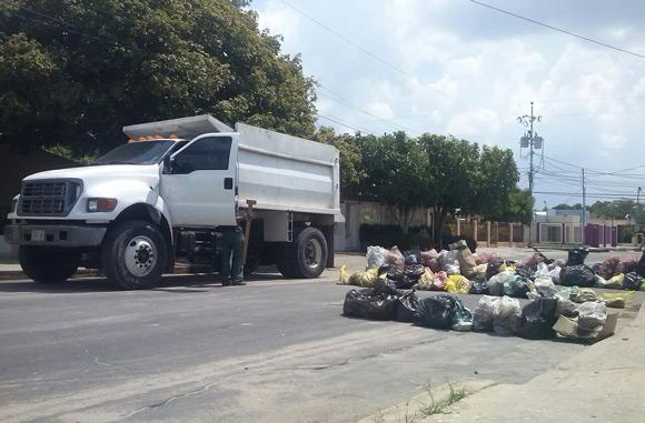 vecinos-del-sector-san-jose-protestan-recoleccion-basura