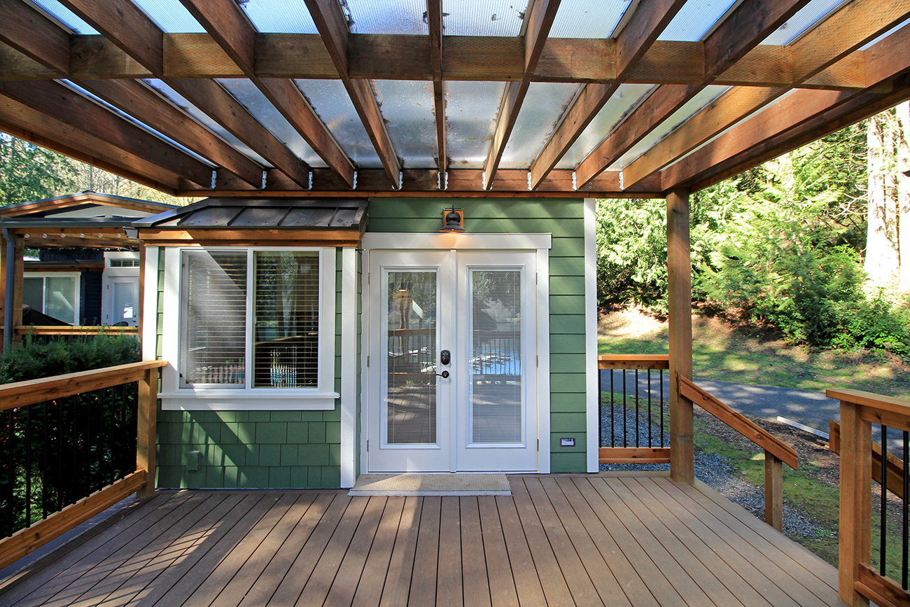 TINY HOUSE TOWN: The Whidbey Cottage (400 Sq Ft)