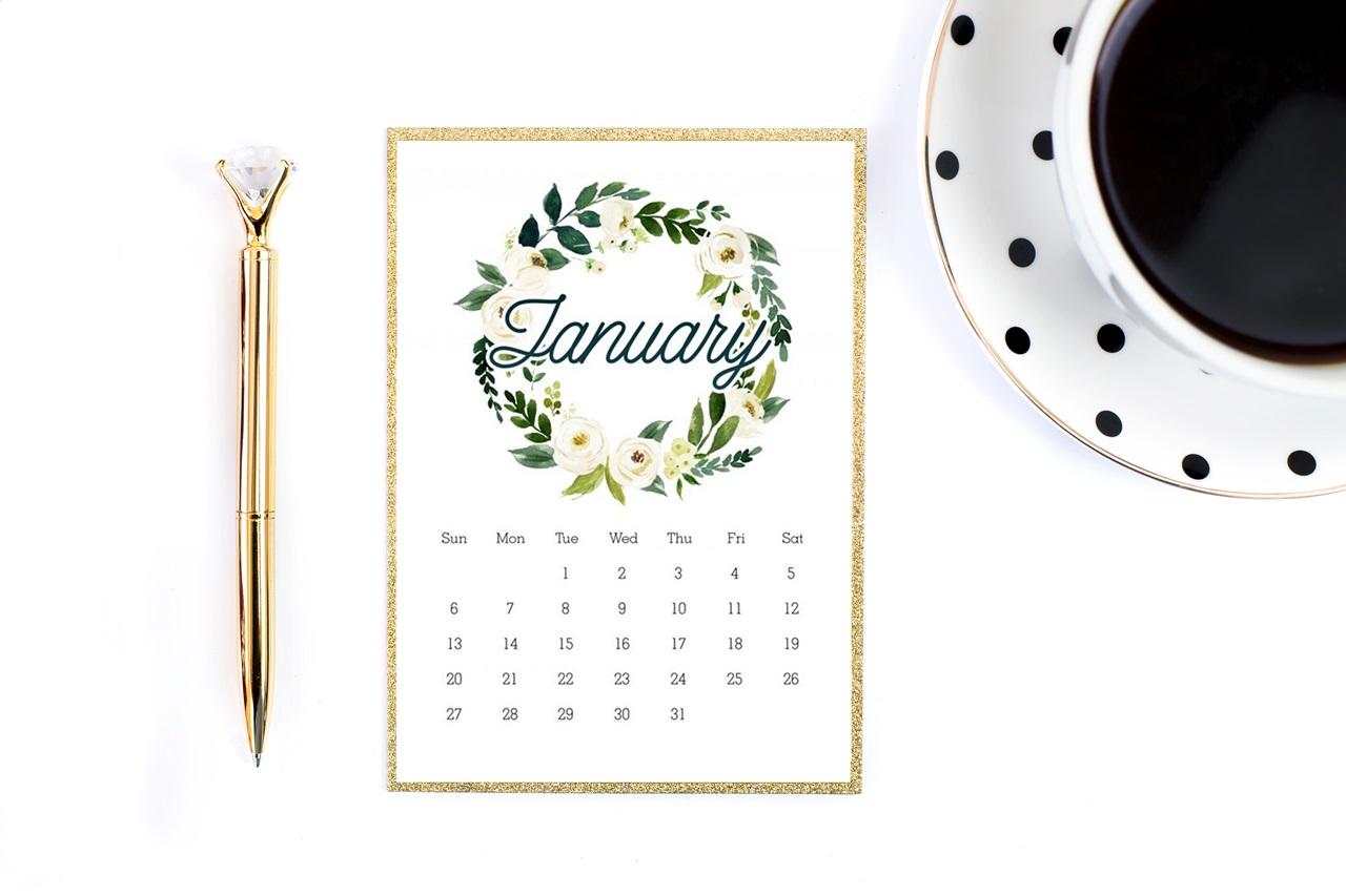 ładny kalendarz 2019 do druku do pobrania za darmo - kwiatowe wzrory