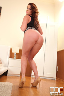 Emma Leigh - 1By-Day - In The Crack - Mar 8, 2014