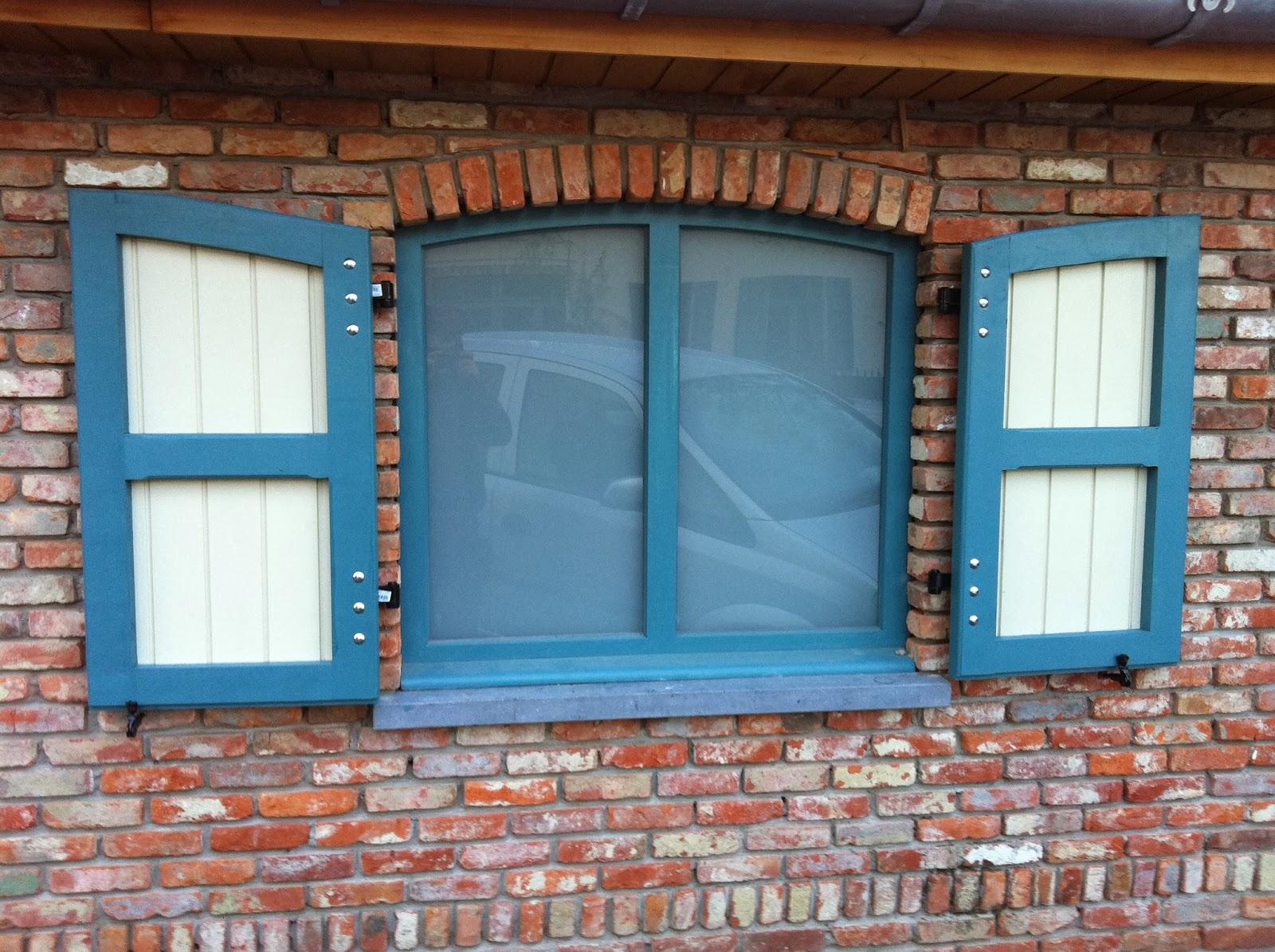 Top luikjes voor raam av74 aboriginaltourismontario for Hangdecoratie raam