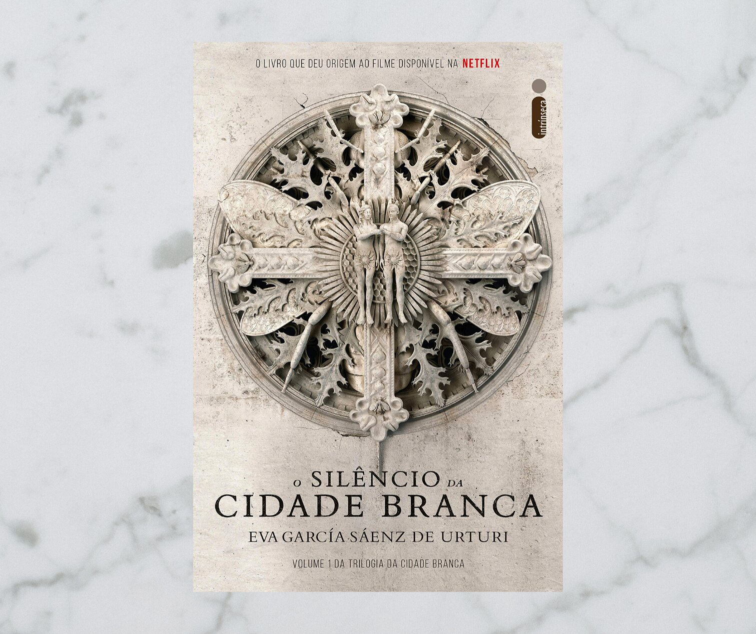 Resenha: O Silêncio da Cidade Branca, de Eva García Sáenz de Urturi