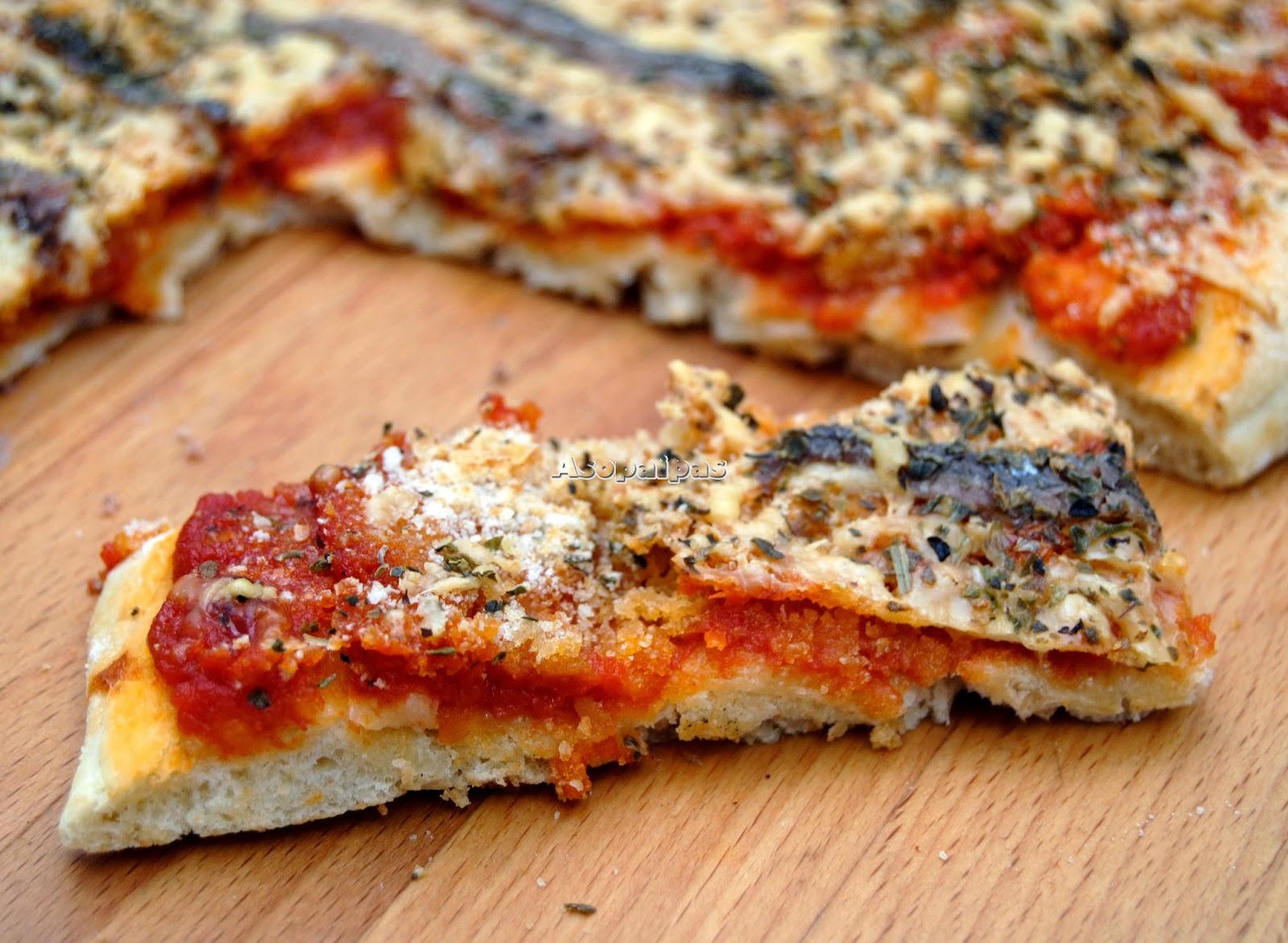 Sfincione Pizza Parlemitana con anchoas y miga de pan