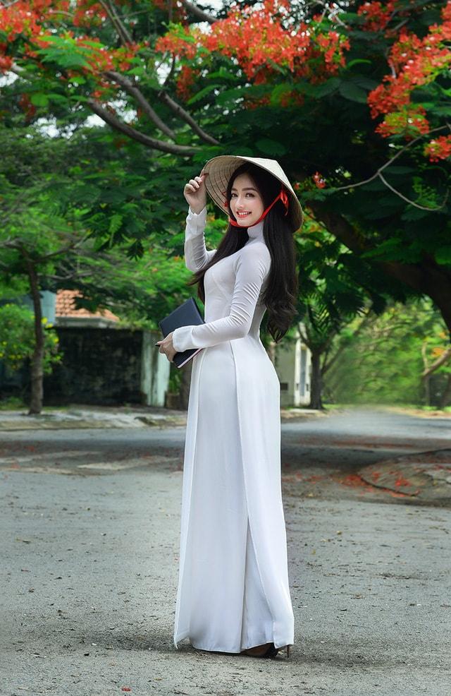 Quỳnh Trâm thướt tha trong tà áo trắng nữ sinh khi mùa phượng vĩ về -6