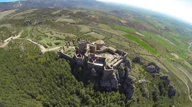 Castillo de Loarre. Difícil acceso para atacantes, inmejorables vistas