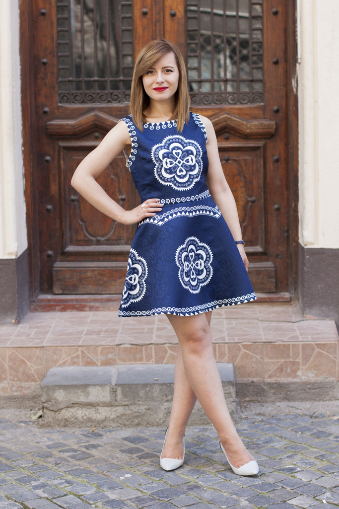 shein navy dress with tribal print