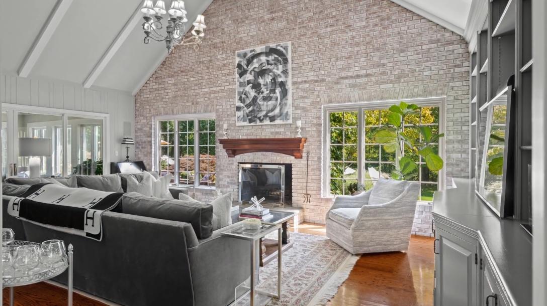 39 Interior Design Photos vs. 165 High Point Ln, Fairfield, CT Luxury Home Tour