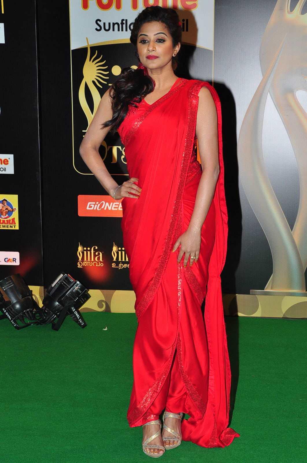 Priyamani latest hot stills priyamani latest hot photos images pics - South Indian Actress Priyamani Latest Exclusive Spicy Photos Gallery At Iifa Awards