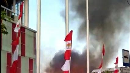 Kebakaran Melanda Gudang Penyimpanan Samping Transmart Depok