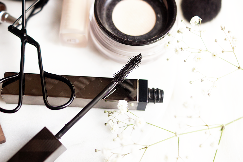 barely-there-beauty-blog-burberry-mascara-cat-lashes-review