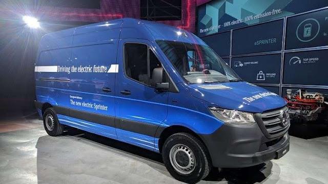 """مرسيدس تطلق نسخة كهربائية من شاحنات """"Sprinter"""" المغلقة"""