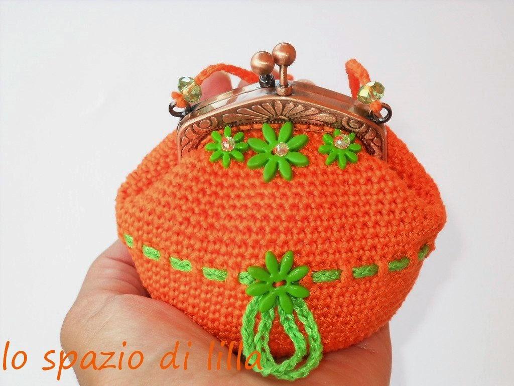 Ben noto lo spazio di lilla: Portamonete crochet con chiusura a scatto  MK44