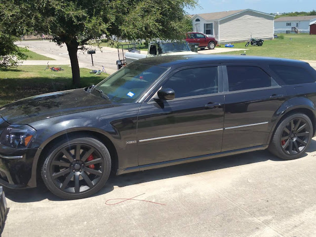 Daily Turismo Tail Waggin 2007 Dodge Magnum Srt8