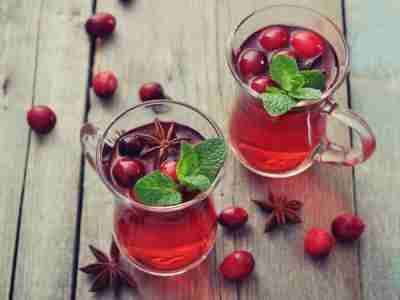 To help yourself and eliminate the symptoms of urinary infection that depletes you, try to use some of the following teas that have proven effect in the natural treatment of the symptoms of urinary bacterial infections.