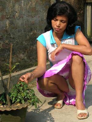Sri lankan hot aunty