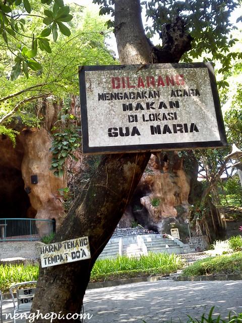 Gereja dan Gua Maria Pohsarang Kediri : Wisata Awkward di Situs Ziarah Katolik