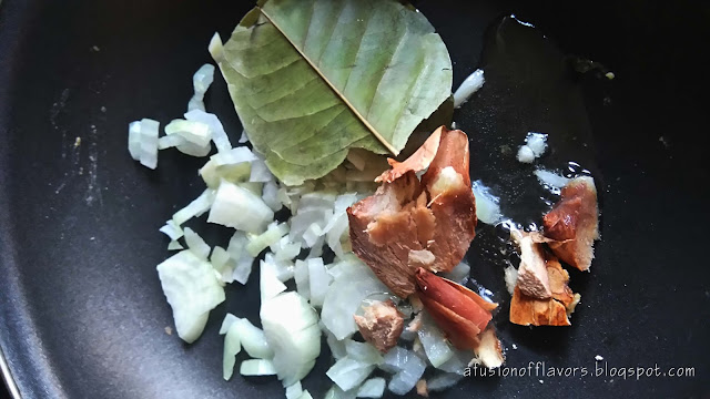 Nasi, chicken, fried rice, salam, laos, galanga