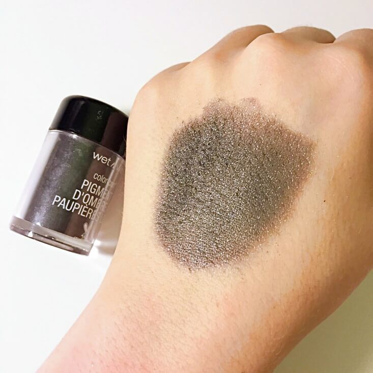 wet n wild Fantasy Makers coloricon Loose Pigment Spellbound swatch