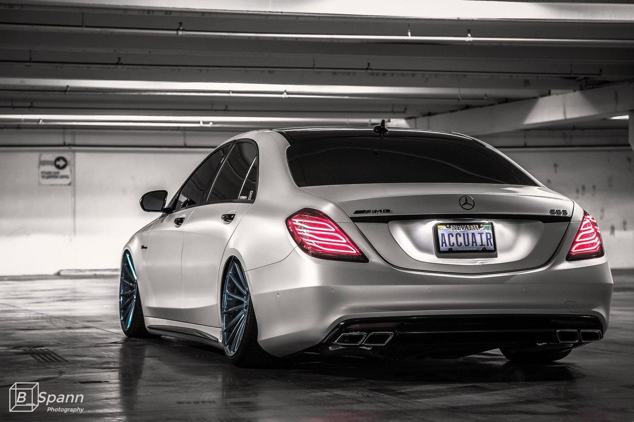 Mercedes benz w222 s63 amg vip on 20 vossen vps 305 for Mercedes benz vip