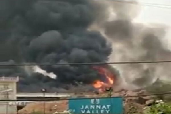 fire-in-jannat-valley-faridabad-surajkund-road-news