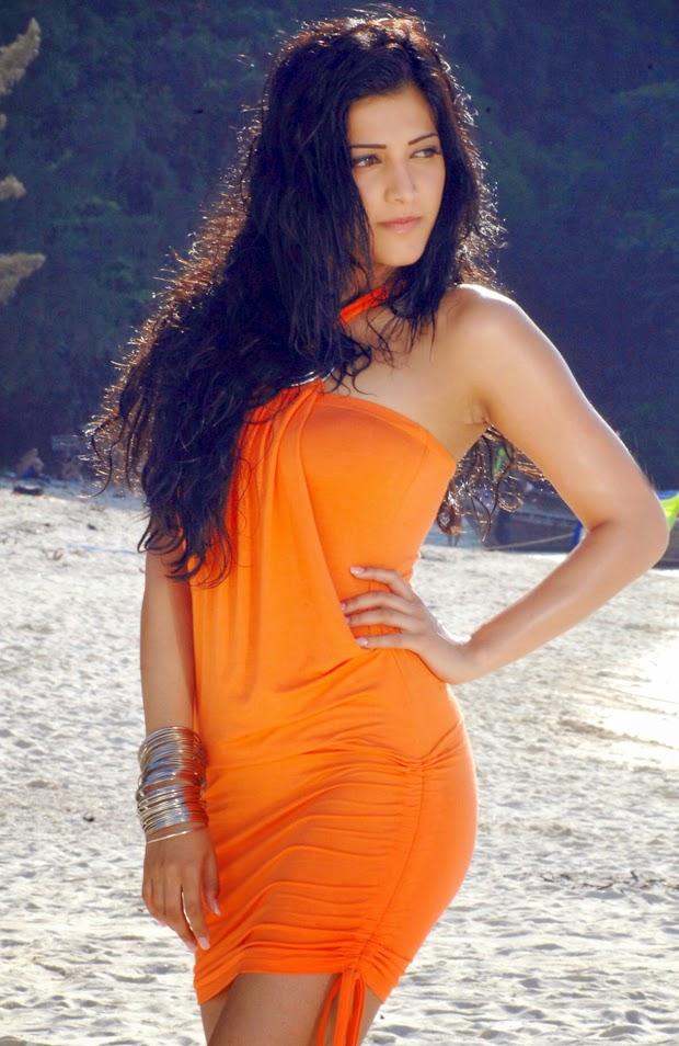 DESI ACTRESS PICTURES: Shruti Haasan Hot Stills ★ Desipixer