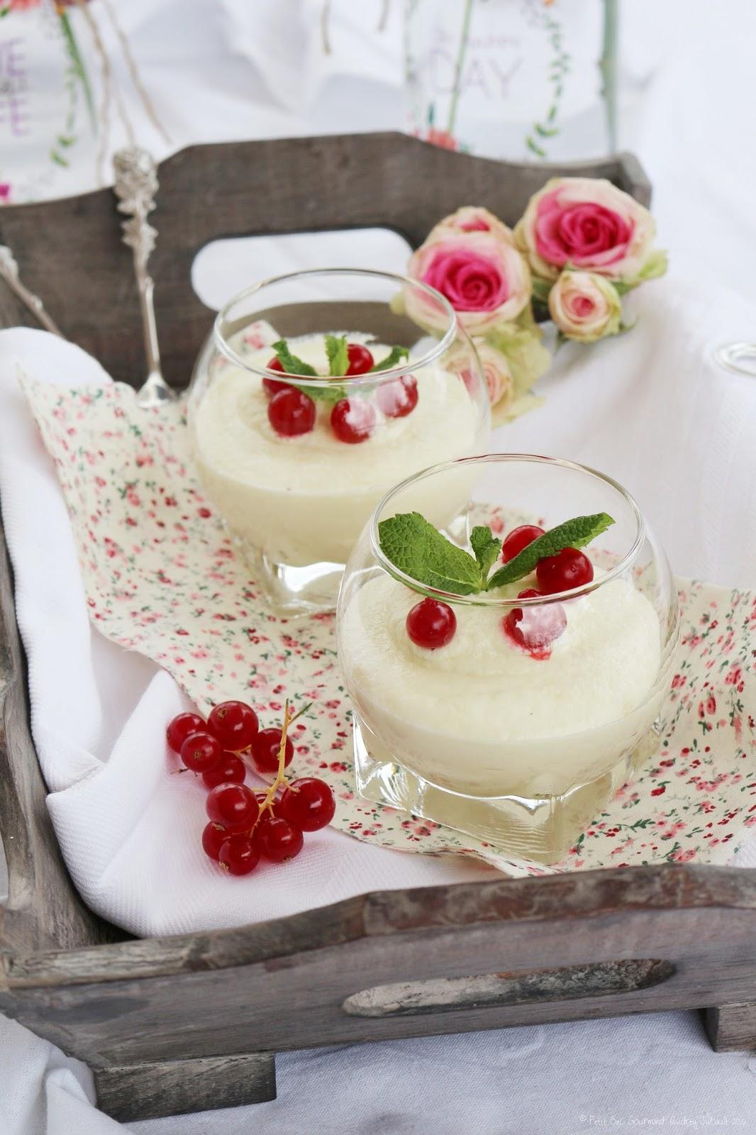 mousse au chocolat blanc amandes petit bec gourmand. Black Bedroom Furniture Sets. Home Design Ideas