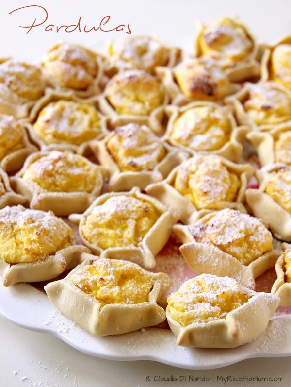 Pardulas sarde (formaggelle o casadinas)