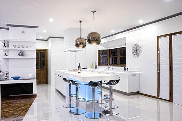 Desain Dapur Modern Dengan Hiasan Lampu