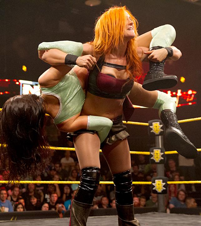 Jessie McKay vs Becky Lynch - WWE NXT Divas
