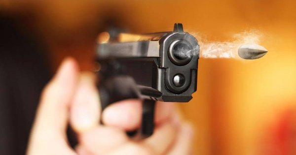 Bίντεο σοκ: Πυροβολεί και σκοτώνει εν ψυχρώ την πρώην κοπέλα του