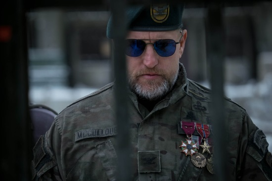 El Coronel (Woody Harrelson)