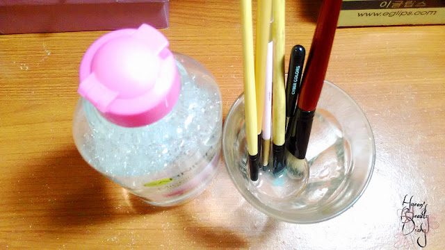 Review; Cleaning Makeup Brushes with Garnier Micellar Cleansing Water All-in-1