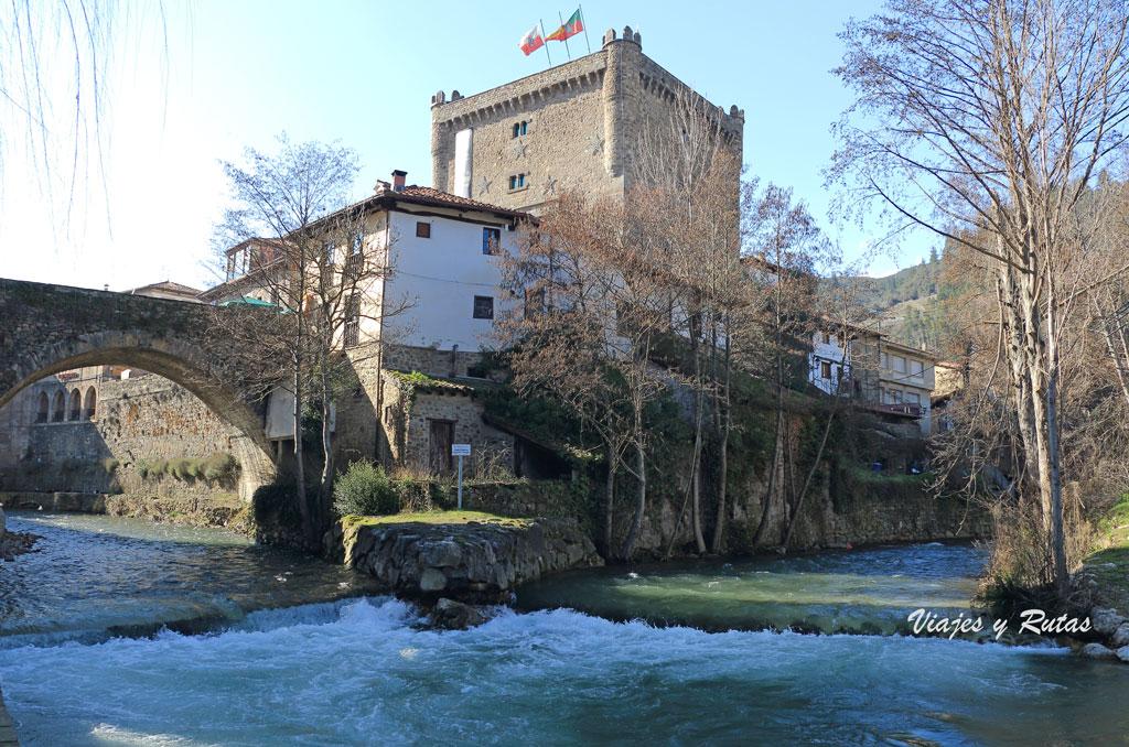 Punto donde confluyen los ríos Deva y Quiviesa en Potes